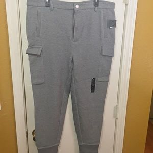 DKNY men's L-XL cargo pocket slimming jogger pants